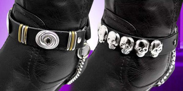 Stiefelbänder mit Nieten