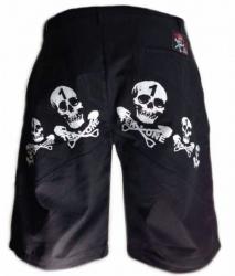 Shorts mit Totenköpfen