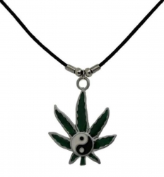 Anhänger Hanf mit Yin Yang  Halskette