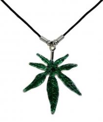 Anhänger Grünes Umgedrehtes Hanfblatt  Halskette