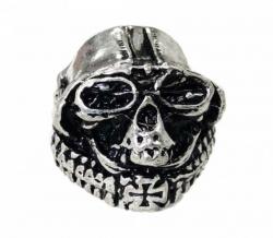 Totenkopf mit Helm und Kreuz Ring