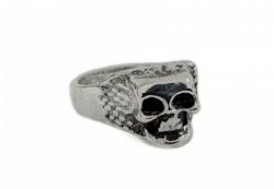 Totenkopf mit Schlangenhaut Ring