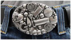 Gürtelschnalle Revolver Silberfarben