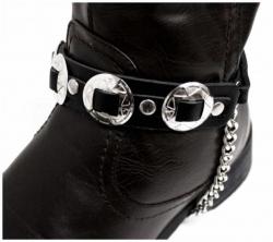 Schwarze Stiefelbänder mit kleinen Conchos