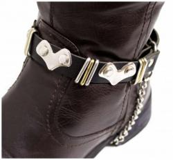 Schwarze Stiefelbänder mit Herznieten
